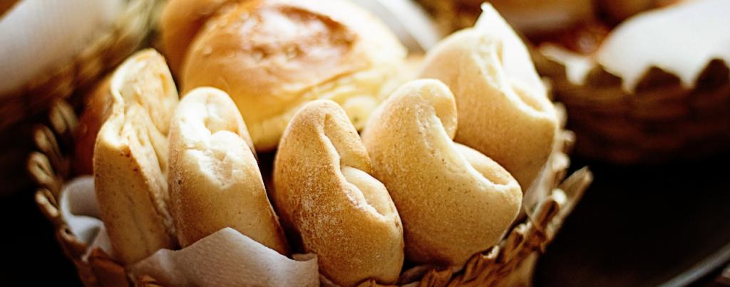 Gouden Bock mandje brood